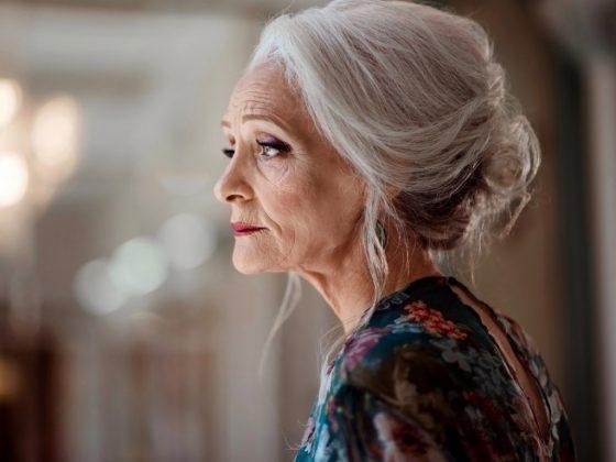 В каком возрасте женщины начинают чувствовать «старость»?
