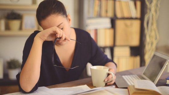 Как стресс вызывает гормональный сбой и что с этим делать