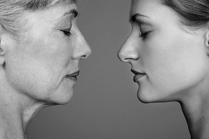 Названы возможные причины раннего старения у женщин