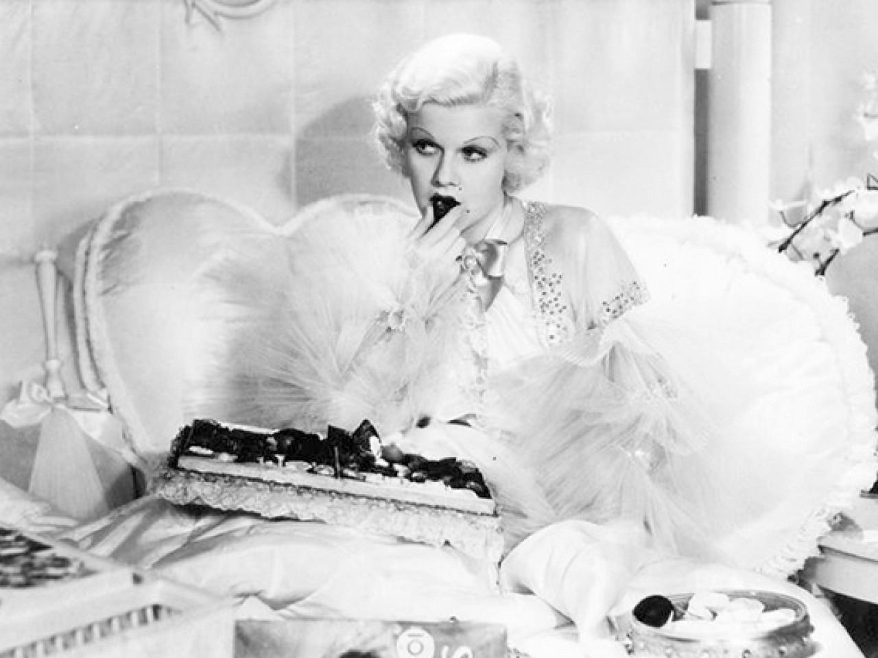 Чем вреден белый шоколад для женского здоровья?