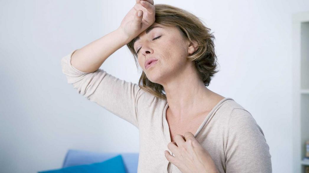 Медики дали полезные советы страдающим симптомами менопаузы