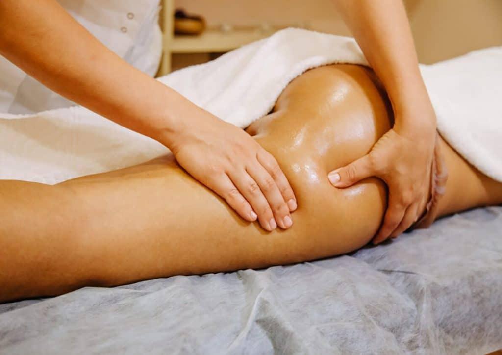 Правила антицеллюлитного массажа в домашних условиях