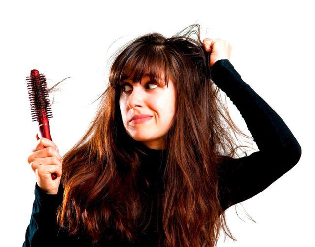 Выпадение волос: в чем причина и какие продукты помогут справиться с проблемой