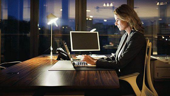 Ночная работа у женщин способствует ранней менопаузе