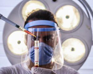 Ученые разработали микрочип, измеряющий гормоны по капле крови