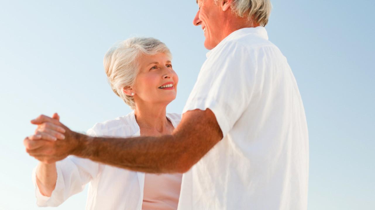 Танцы могут принести большую пользу здоровью женщин в постменопаузе
