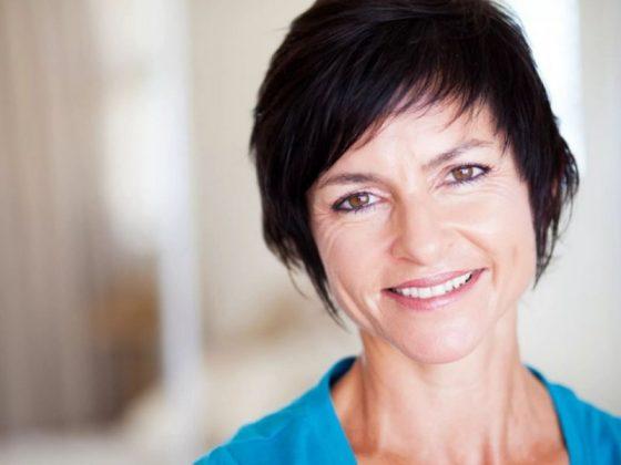 Два изменения в образе жизни женщин помогают им легче переносить менопаузу
