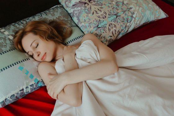 Молочница: причины, по которым женщины сталкиваются с неприятностью